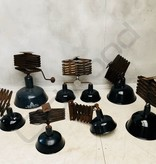 Industriële  emaille plafondlamp / schaarlamp / scharnierlamp