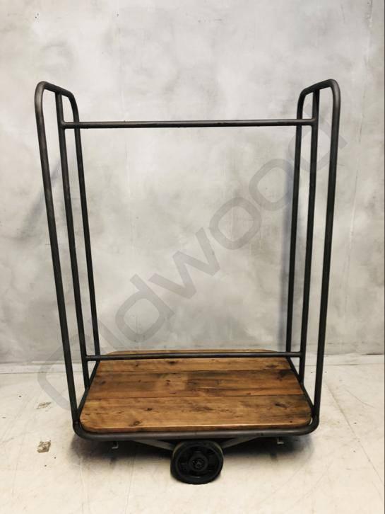 (Verkocht) Industriële fabriekskar