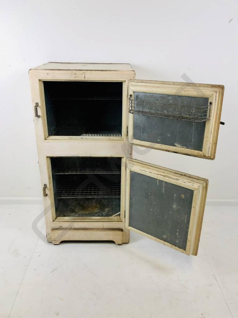 Oude koelkast