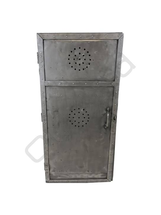 Stoere metalen locker