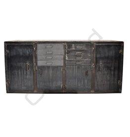(Verkocht) Industrieel dressoir