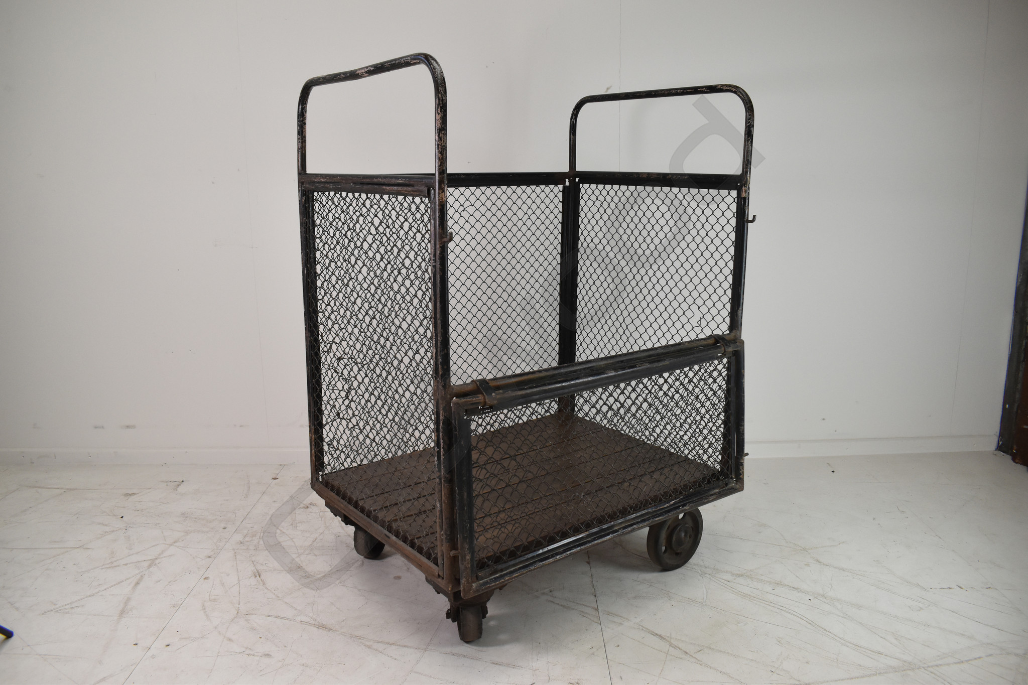 Industrial trolley cart