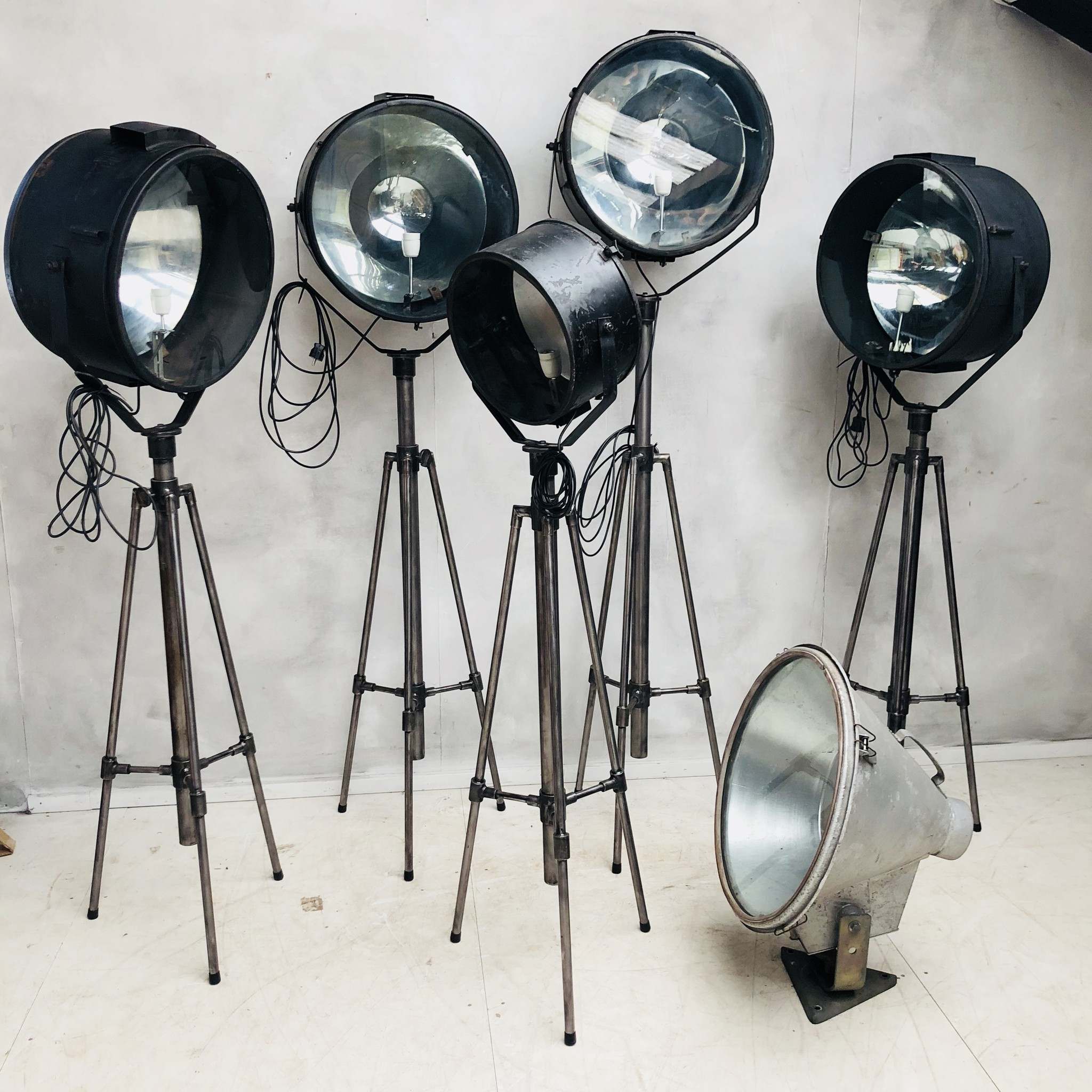 Spiksplinternieuw Vintage theater lamp - Oldwood - De woonwinkel - Oldwood - De UC-11