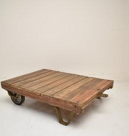 Industriële houten trolley