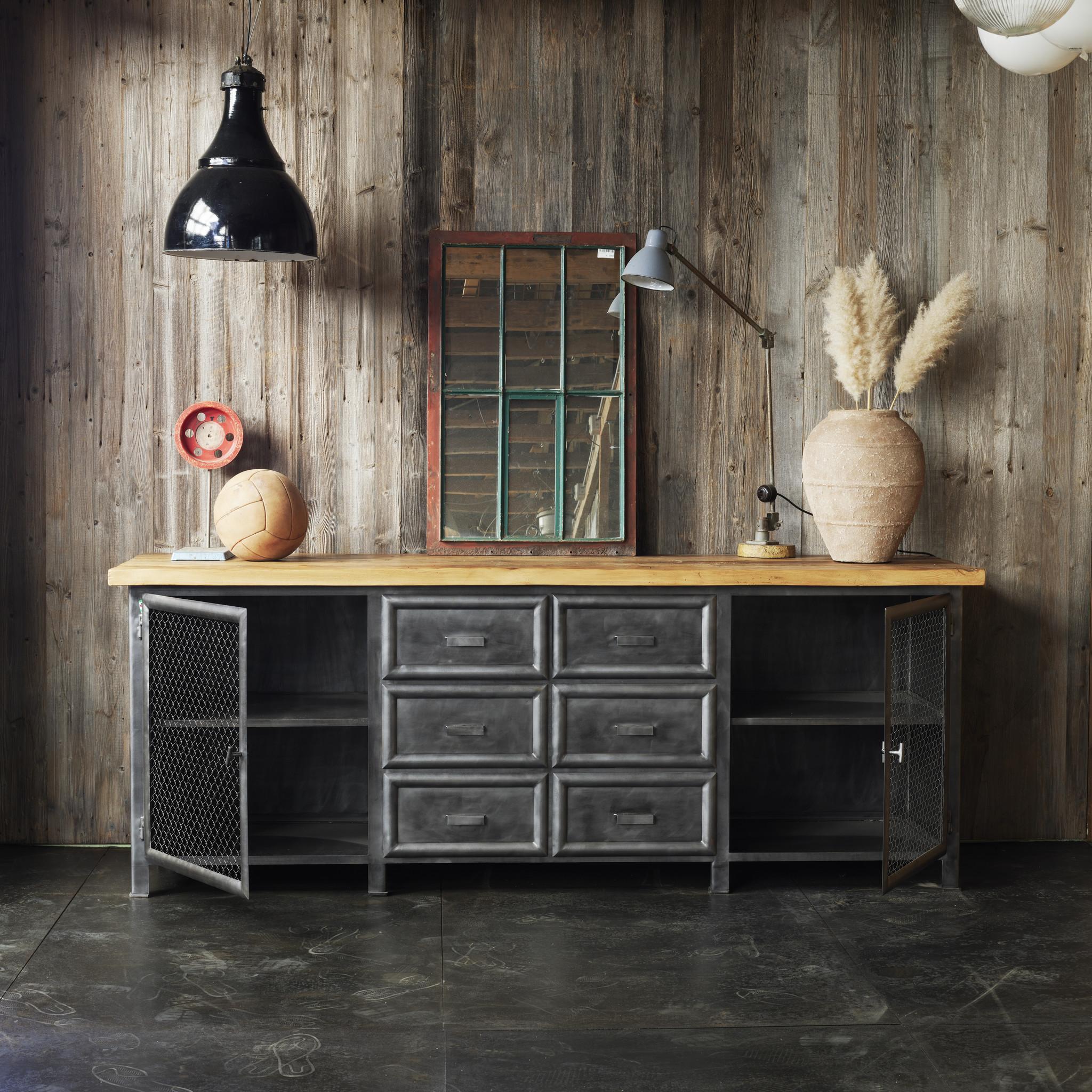 Industrieel meubel Dressoir op maat gemaakt