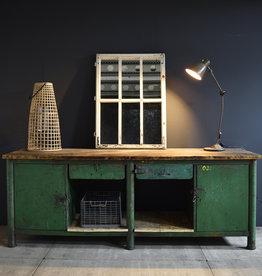 Industrieel dressoir