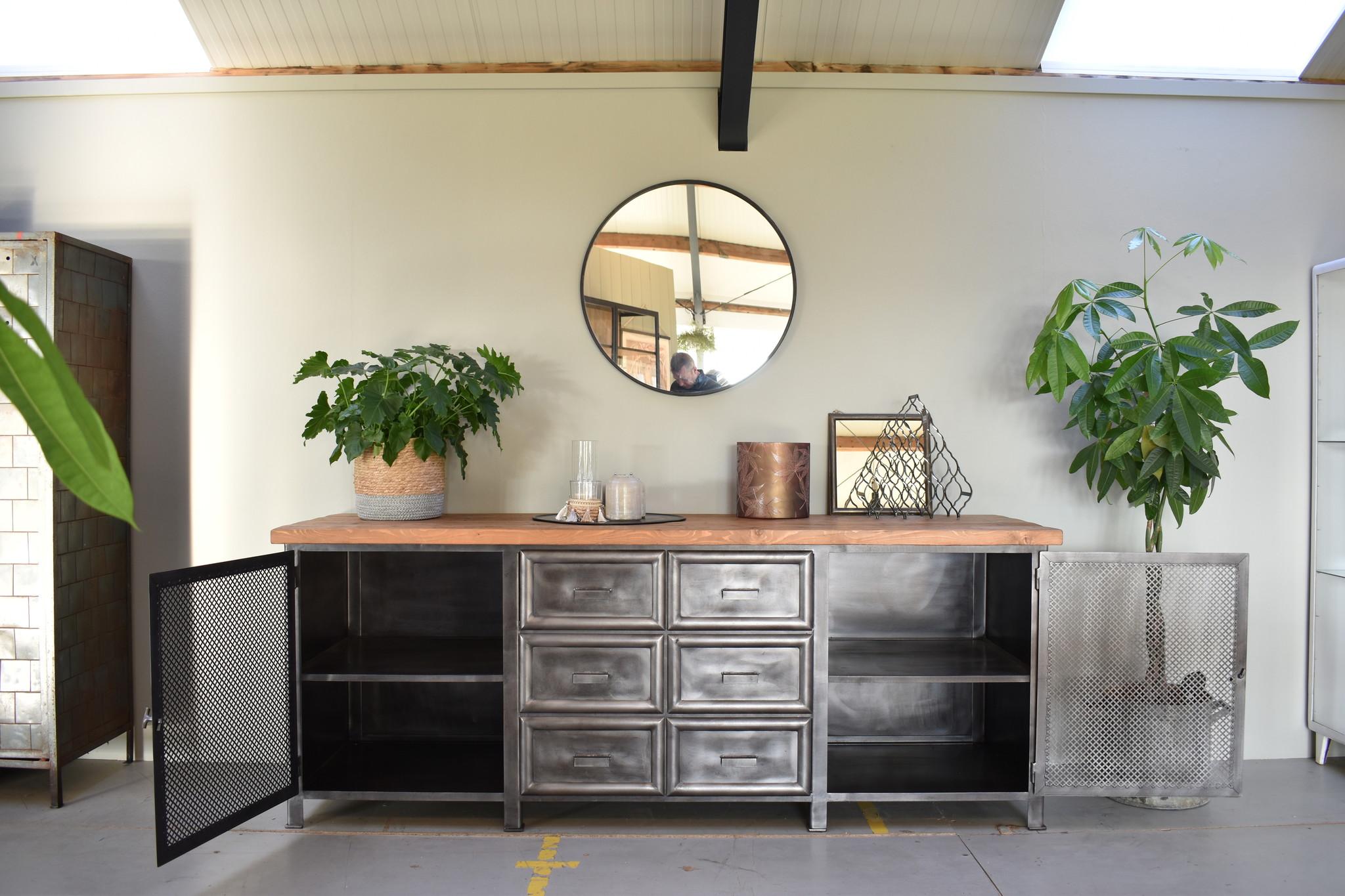 Industrieel meubel Dressoir op maat