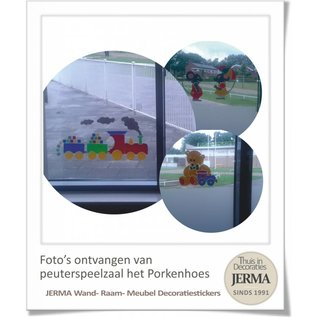 JERMA Beertje met treintje. kinderkamer raamdecoratie babykamer wanddecoratie sticker.