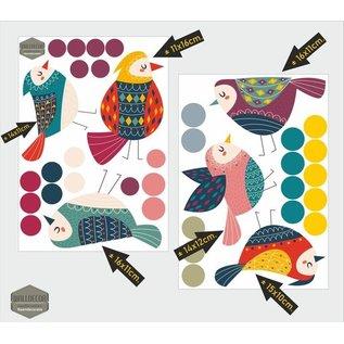 Walldecor Raamstickers set van 6 gekleurde vogeltjes samen met 31 stippen.