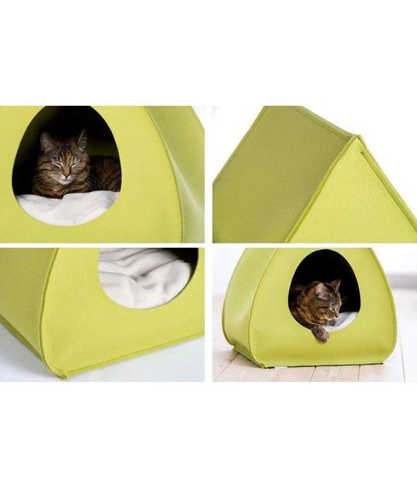 Cat House Pina