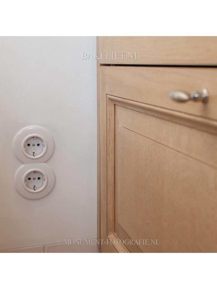 Bakeliet stopcontact inbouw - THPG stopcontact - Retro stopcontact