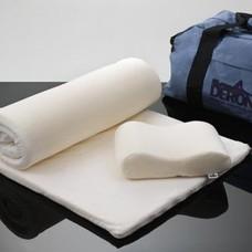 Deron Reis- oplegmatras met tas en kussen