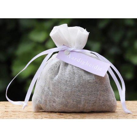 Lavendelzakje met tekst: aardigheidje