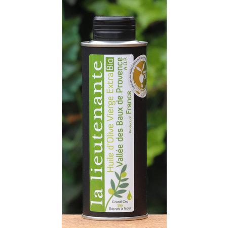 Delicatessen met groene olijven