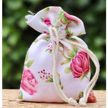 Zakje met rozenpareltjes
