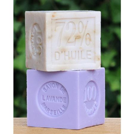 Blokje lavendelzeep in doosje