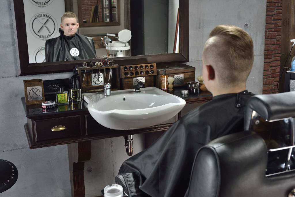 Panda Heren kapsalon set Barber Empire - heren kappersstoel, heren kaptafel