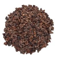 Cacao nibs of stukjes