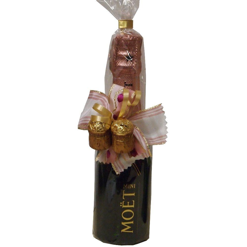 Moet & Chandon Champagner der kleine fruchtiger Rosé aus dem Champagnerhaus Moet & Chandon in der Piccoloflasche