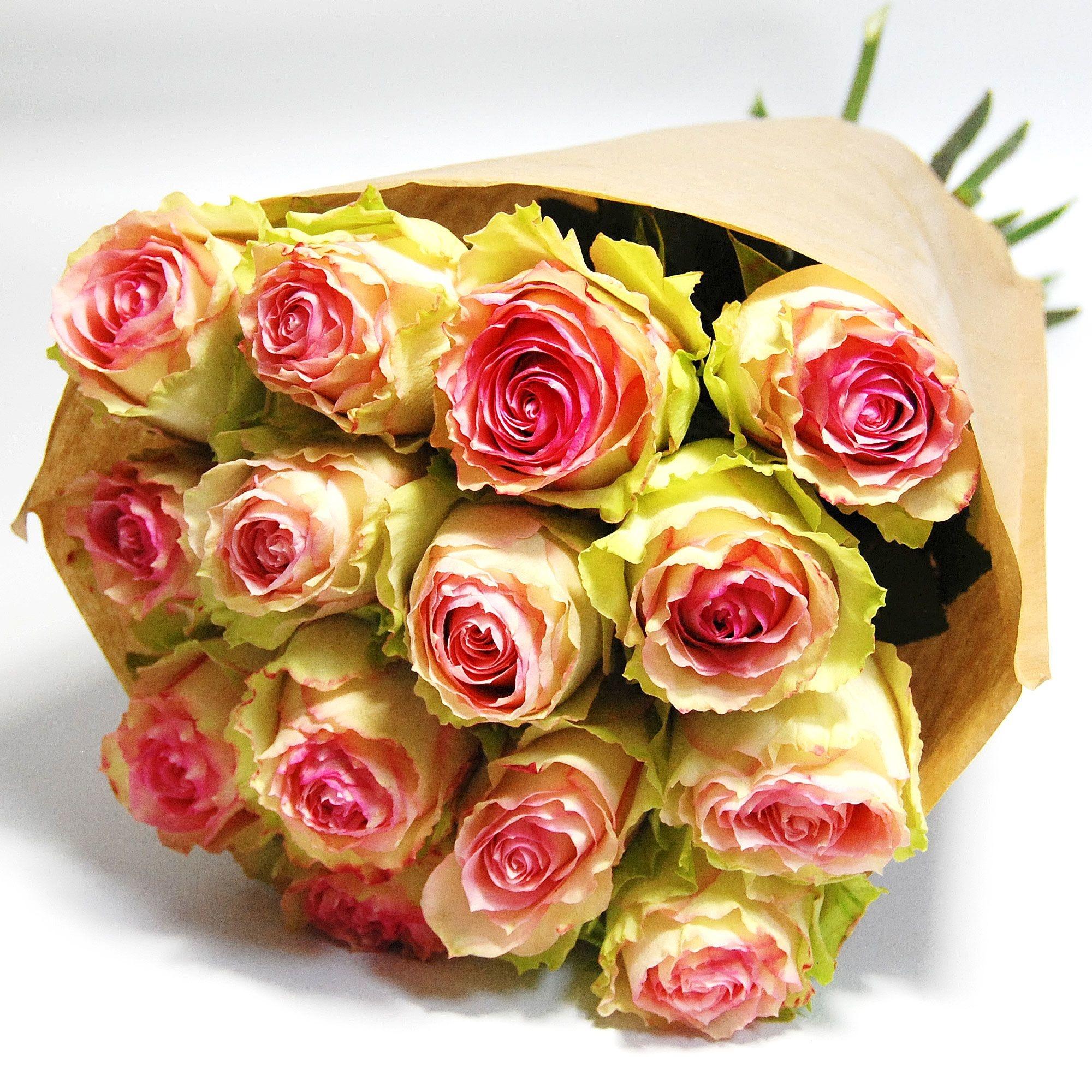 flotte Blumen Rosenstrauß Esperance mit 10 herrlichen Rosen in weiß und rosa