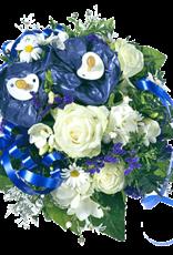 flotte Blumen Strauß zur Geburt eines Jungen in blau mit Schnullern
