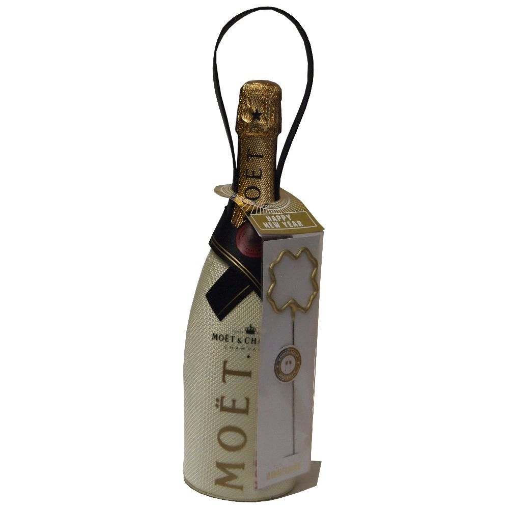 Moet & Chandon Champagner Brut Imperial im isolierenden Suit -Happy New Year