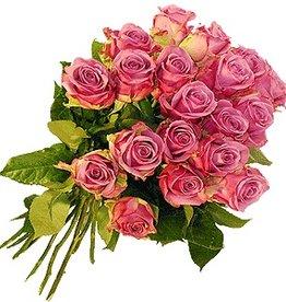 flotte Blumen Rosenstrauß Cool Water