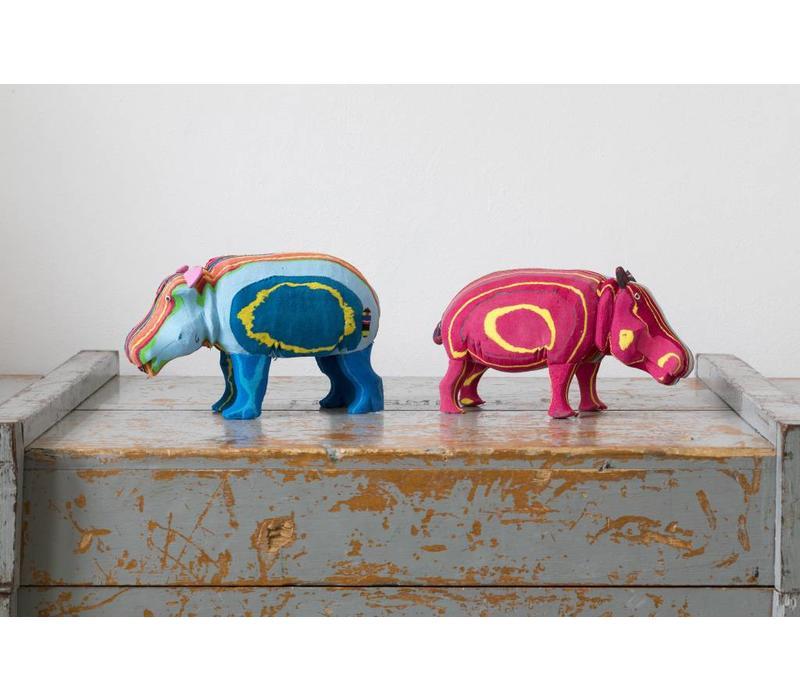 Le bébé hippopotame Moyen