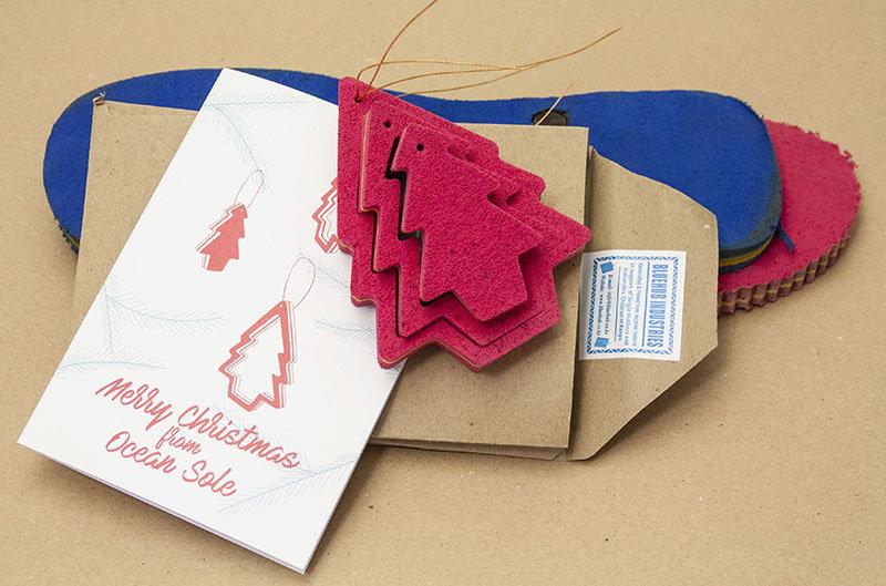 Ocean Sole  Ocean Sole Christmas pendant with Christmas card