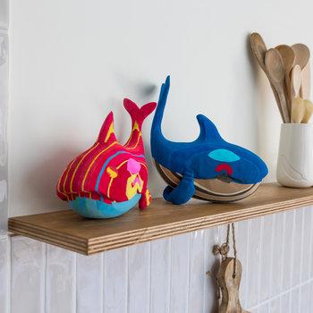 Ocean Sole  Whale Medium