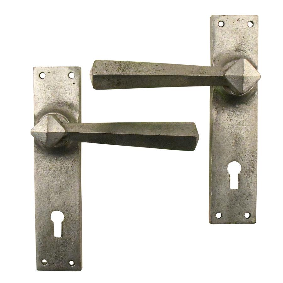 Gusseisen Türdrücker auf geradem Schild - BB-Schloss - 72mm Zinn-Effekt