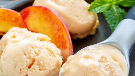 Recept: zelfgemaakt perzik ijs zónder ijsmachine
