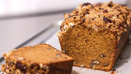 Recept: cake met pecannoten en crumble topping