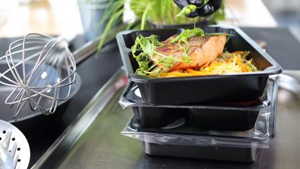 Tray sealers - fast packaging of food