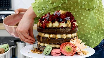 Recipe: Chocolate Swiss Meringue Cake