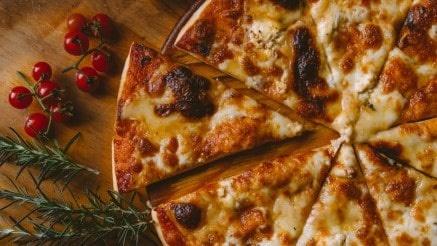 Alles over zelfgemaakte pizza's: bewaren, invriezen en afbakken