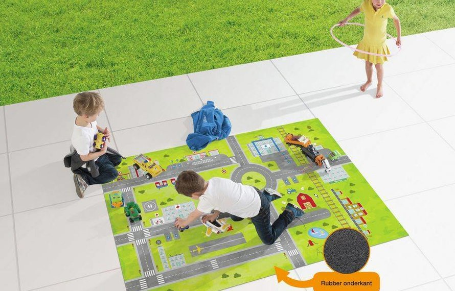 Een speelmat buiten, lekker buiten spelen!