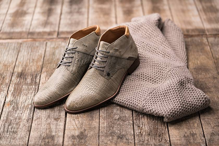 Grey shoes: for bold men