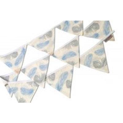 Hobea Vlaggenlijn wit met veertjes