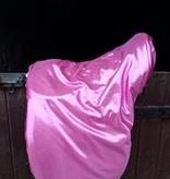 Hoods & Kisses saddle cover de luxe