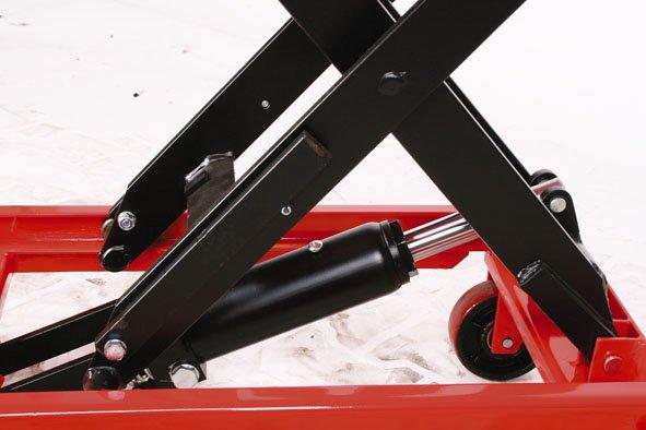Hubtischwagen mit einer Tragkraft von 750 kg
