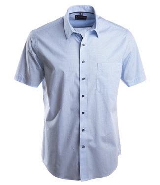 zomers hemd met lichtblauwe print