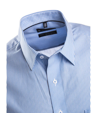 FORMEN klassiek streepjeshemd in zomers blauw