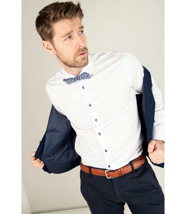 luxueus wit hemd met blauwe knopen