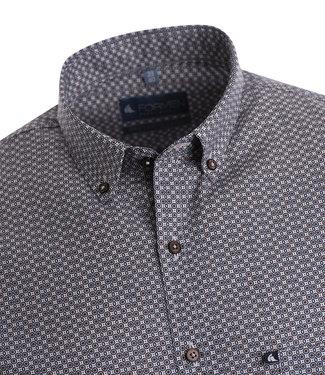 FORMEN hemd met zwarte en bruine print op een witte achtergrond