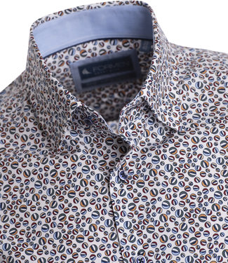 FORMEN veelkleurige bollenprint op een hemd met witte achtergrond