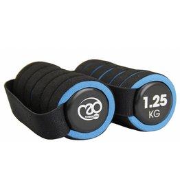 FITNESS MAD Pro Aerobic dumbbells paar 2.5 kg met handvat (2 x 1.25 kg) soft grip Zwart Blauw