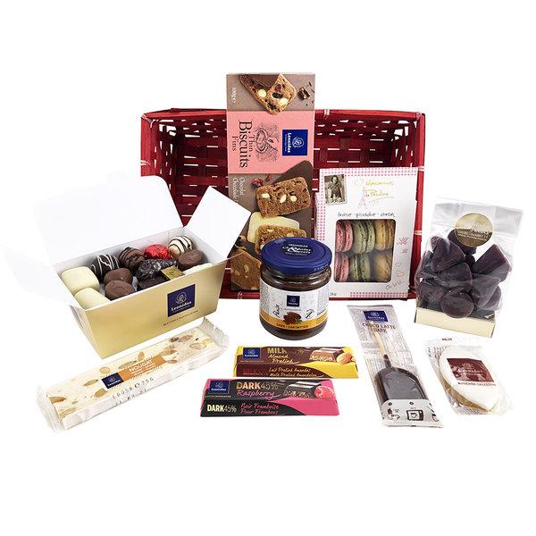 Panier cadeau (L) avec des chocolats et des délices