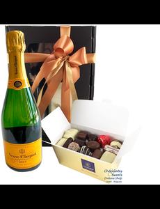 500g Pralinen und Flasche Champagne Veuve Clicquot