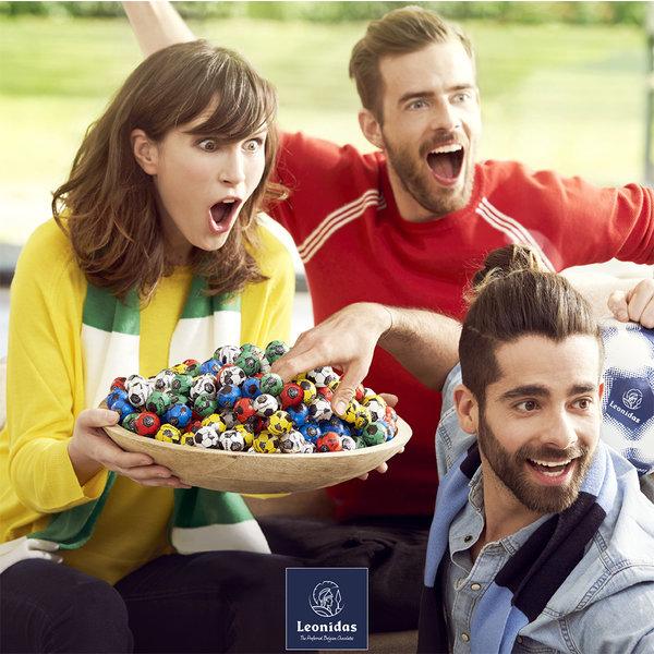 Leonidas Chocolate Soccer balls 3,5 kg + 350g FOR FREE